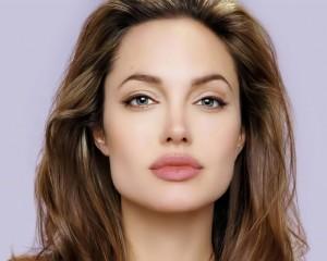 Angelina-Jolie-1024x819