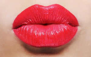 lip-plumping-beauty-ftr